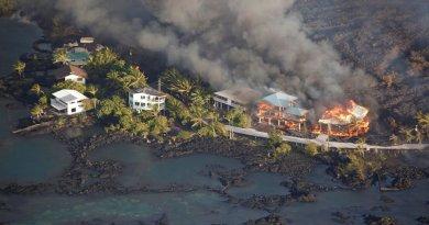 Las lavas aumentan territorio de Hawai