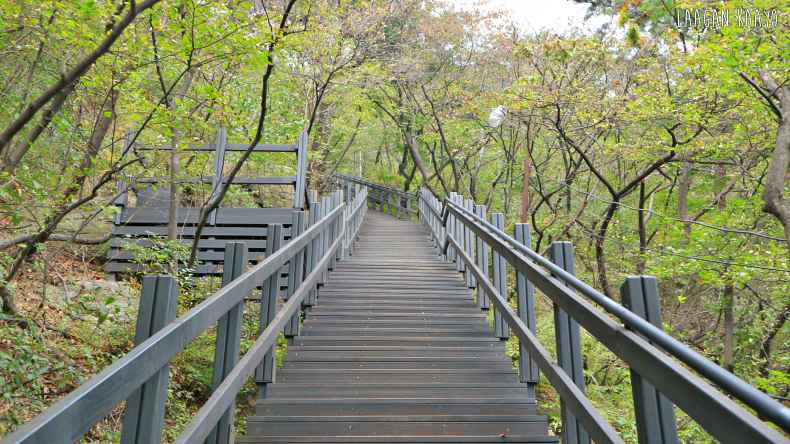 South Korea Travel Guide - Inwangsan