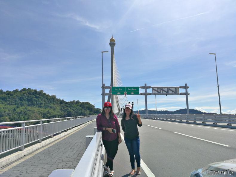 Sungai Kebun Bridge , Brunei