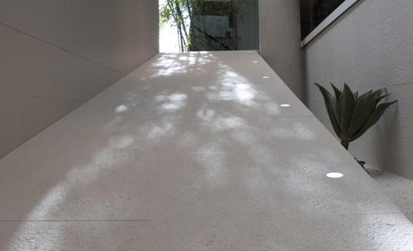 Keraaminenlaatta_keraaminen_kuivapuristelaatta_inalco_concrete_valkoinen_lattialaatta_seinälaatta_laattasuora