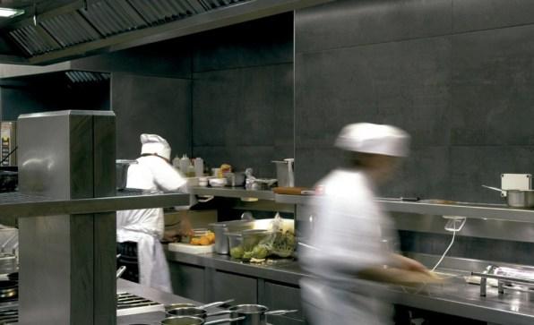 Keraaminenlaatta_keraaminen_kuivapuristelaatta_inalco_eiffel_seinälaatta_lattialaatta_laattasuora_ravintola