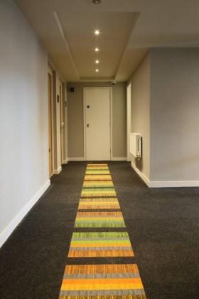 Kerrostalo_asunto_yksityiskoti_burmatex_tivoli-carpet-tiles-in-apartments-16-534x800_laattasuora_textiilipalamatto_textiilimatto_palamatto
