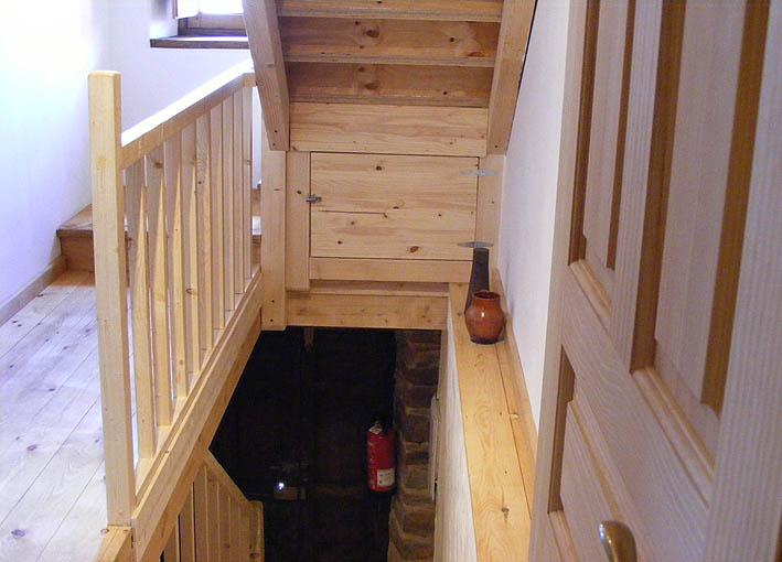Escaleras a la primera planta