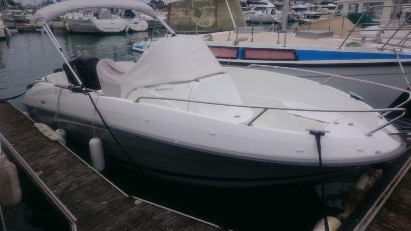 bateau horsbord occasion BENETEAU FLYER 550 OPEN en vente  partir de 22 000 La Baule Nautic