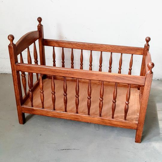 petit lit en bois style ancien