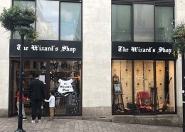 Enseigne en panneau dibond pour le pop-up store The Wizard's Shop au centre-ville de Nantes (44)