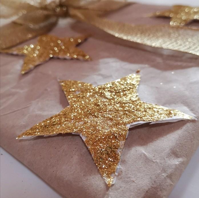 come realizzare decorazioni e stelle glitter 3d