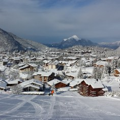 Les Carroz: Traditional village with chalets