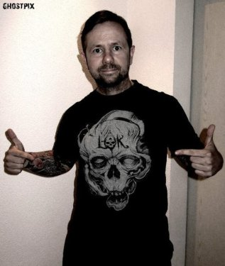 Happy customer with L-O-K t-shirt