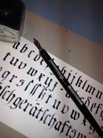 "Calligraphy ""Hutzli Fraktur Script Minuscle"""
