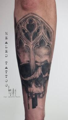Tatouage Cicatrisé - Skull graphique-gothique par Guy Labo-O-Kult | fait @ Besançon Tattoo Show 2018