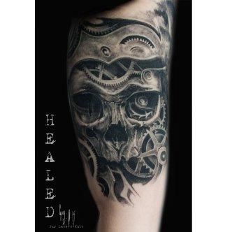 "Healed Tattoo - Tatouage Cicatrisé - Abgeheiltes Tattoo ""Mecanic Skull"""