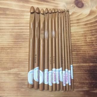 ensemble-12-crochets-bambou-la-boite-ateliers-creatifs2