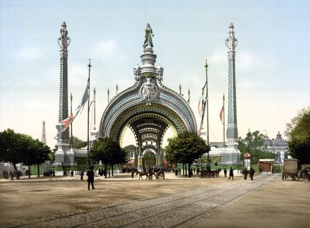 grand_entrance_exposition_universal_1900_paris_france