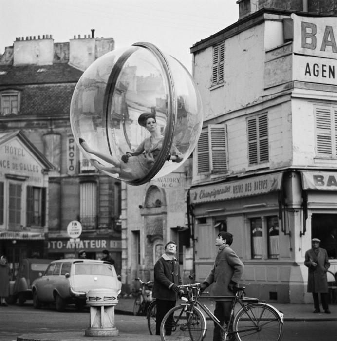 Melvin Sokolsky mode bulle paris 021 692x700 Une bulle à Paris