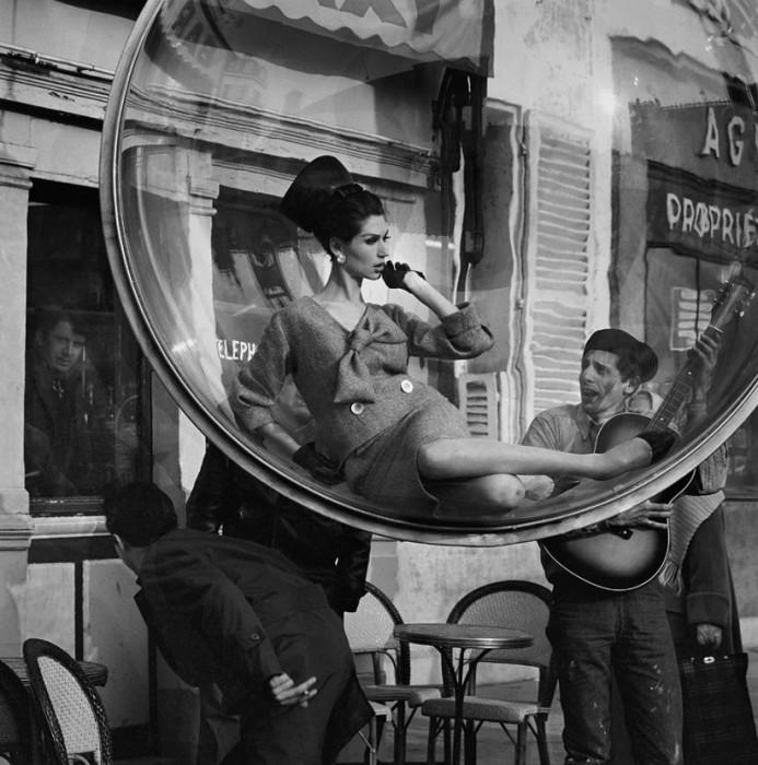 Melvin Sokolsky mode bulle paris 051 693x700 Une bulle à Paris
