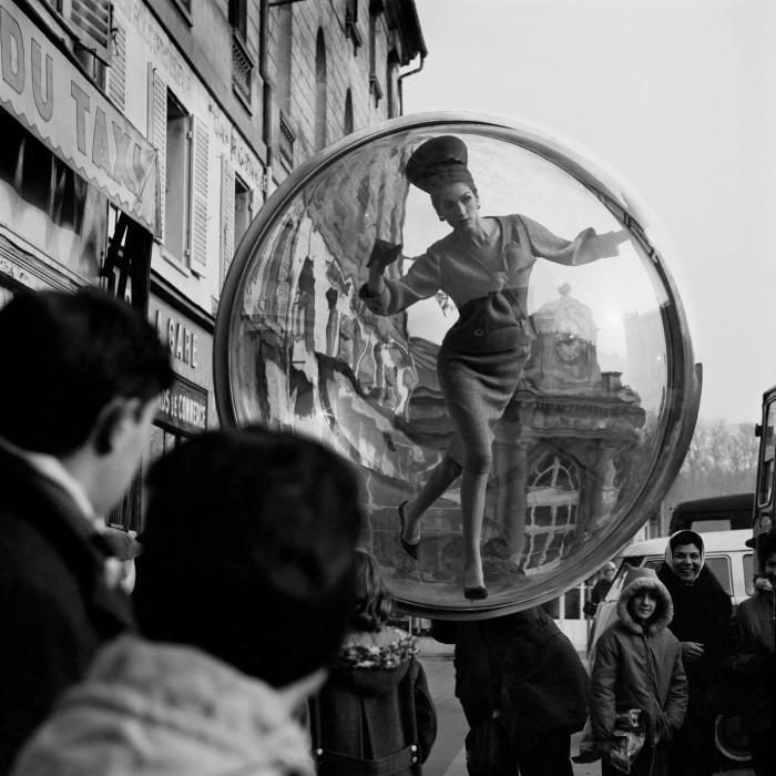 Melvin Sokolsky mode bulle paris 081 700x700 Une bulle à Paris