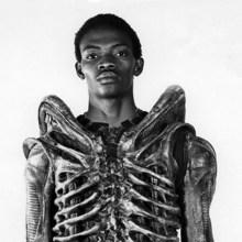 Bolaji Badejo, l'acteur qui joue l'alien dans Alien