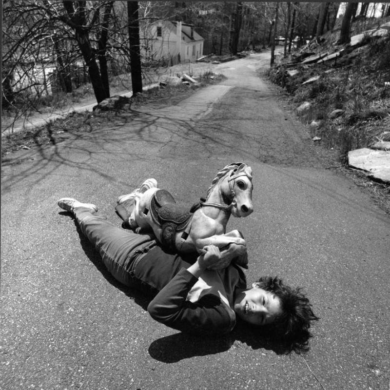 arthur tress cauchemar enfant noir blanc 08 800x800 Des cauchemars denfants photographiés dans les années 60