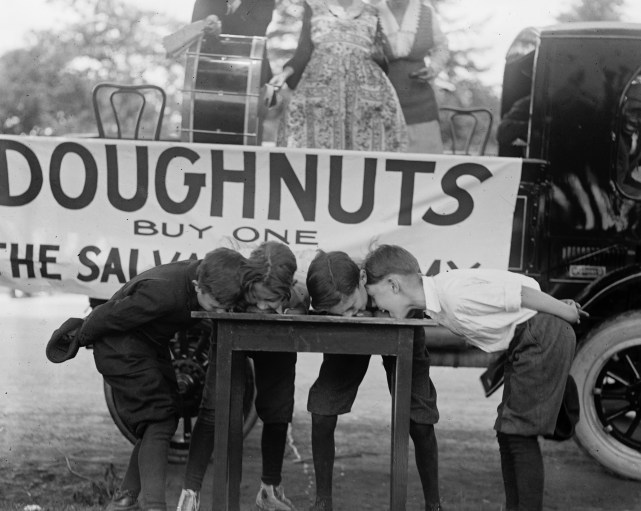 course-donut-salvation-army-1922-05
