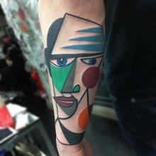 Des tatouages cubistes très colorés