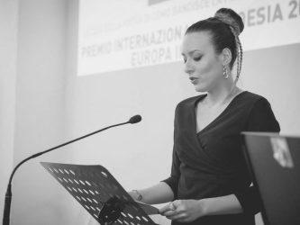 Riattaccarsialla parte sospesa delle cose – Alessandra Corbetta