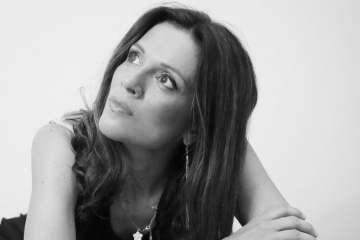 Una domanda al poeta: Annalisa Ciampalini