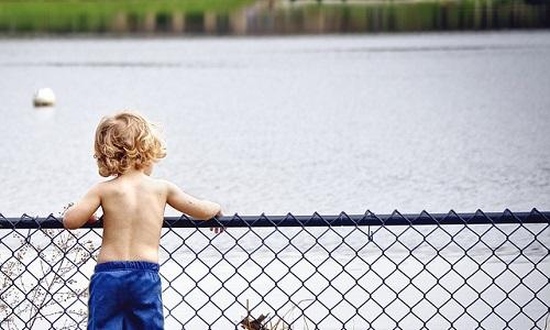 gestire i capricci dei bambini aggressivi