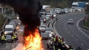 Bildergebnis für Bilder aus Frankreich gelbe Westen