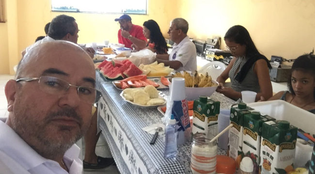 Labre Sergipe realiza Cafezinho da Manhã para integração com associados