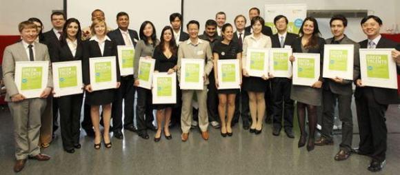Premio Green Talent convertir basura orgánica plástico biodegradable
