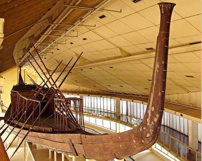 Extraída una nueva Barca Solar en Giza