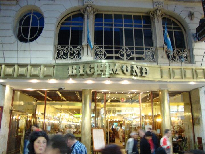 Cerró la legendaria cafetería Richmond de Buenos Aires