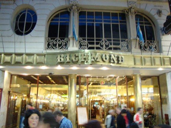 Cerró legendaria cafetería Richmond Buenos Aires