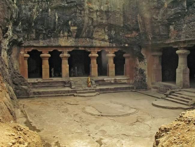 Las cuevas de Isla Elefanta