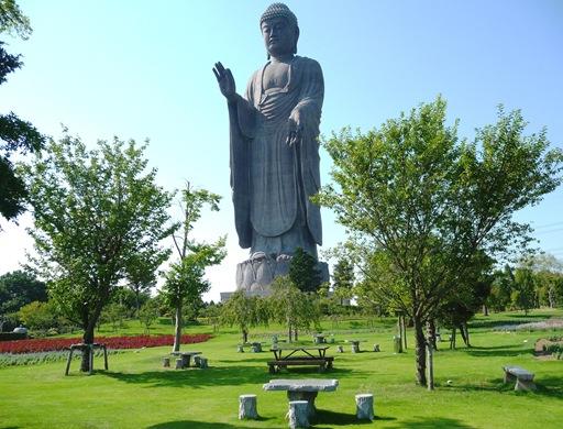 Estatuas gigantes: Ushiku Daibutsu