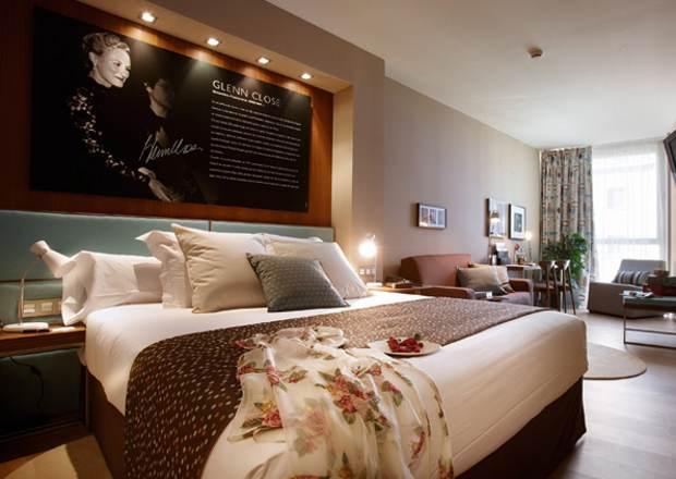 Durmiendo estrellas cine Hotel Astoria 7
