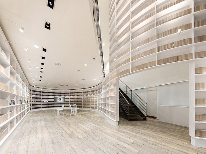 Diseñan el interior de un Starbucks como una biblioteca 2