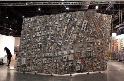 Un mosaico de piedra que representa una imagen satelital de Johannesburgo 1