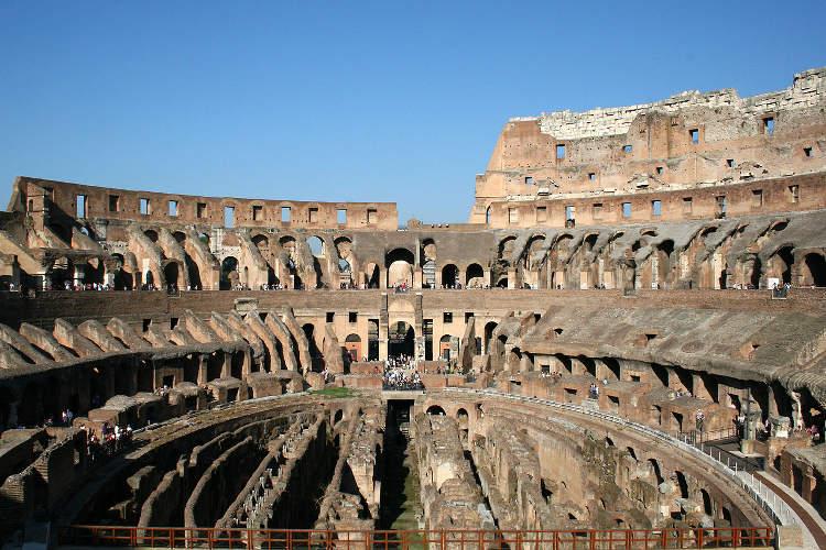 El Coliseo, un patio de vecinos en la Edad Media