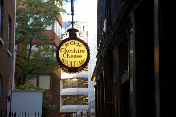Ye Olde Cheshire Cheese inn sign in Fleet Street
