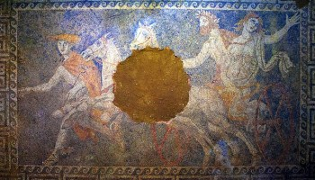 El mosaico de Anfípolis ¿es un retrato de Alejandro Magno y sus padres?