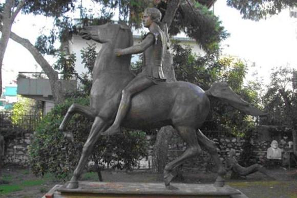 Atenas tendra estatua Alejandro Magno