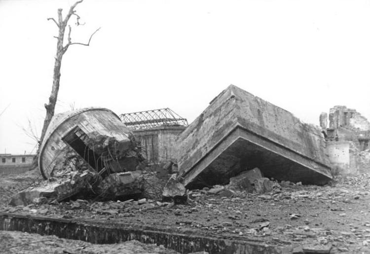 Construyen replica bunker Hitler