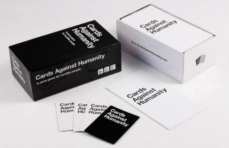 Creadores Cards Against Humanity compran isla seguidores
