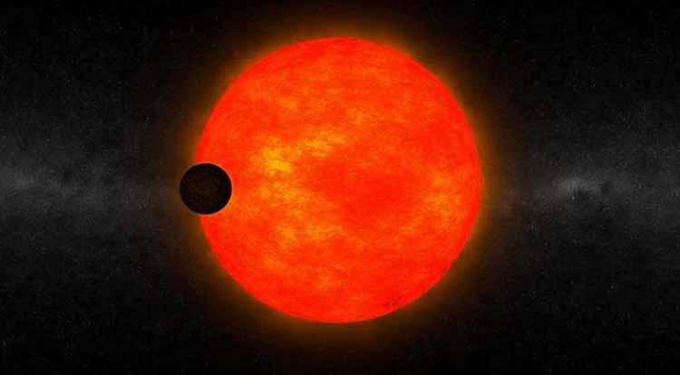 Hallan un extraño planeta gigante orbitando una estrella enana y oscura