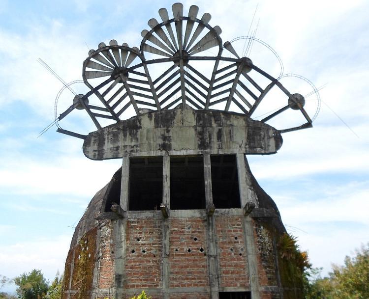 Extraña paloma arquitectonica indonesia