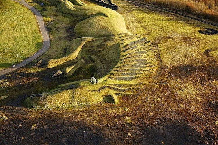 Homenaje escultorico ponis mineros Gales 2