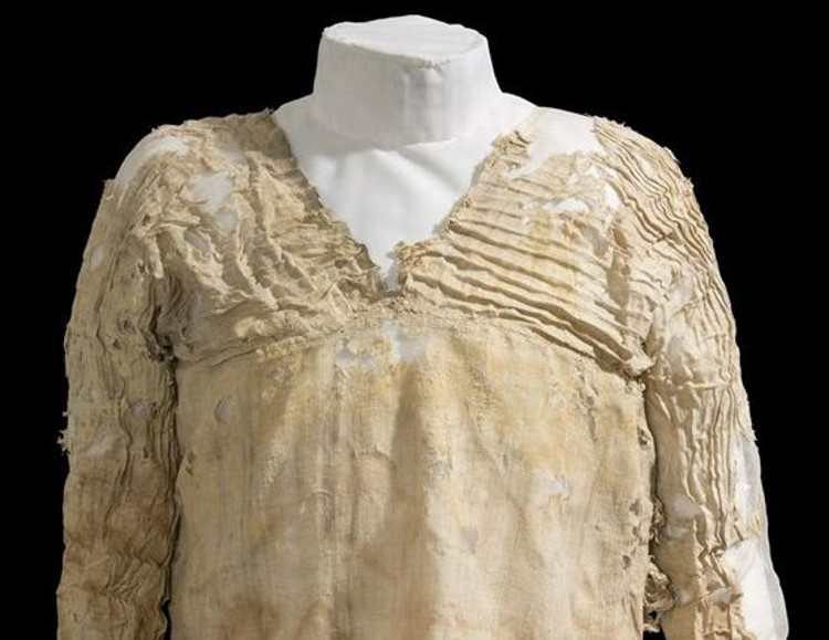 Encuentran en Egipto el vestido más antiguo de la Historia