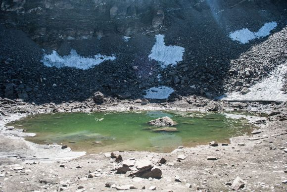 Roopkund tetrico lago indio esqueletos 1
